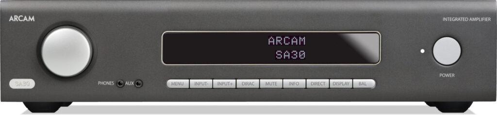 Frontpanelen på Arcam SA30 förstärkare