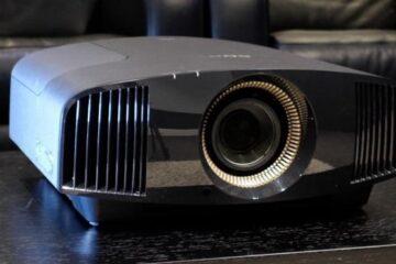 SONY-VPL-VW570ES projektor testadapter.