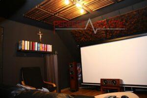 akustikdesign i biograf med akustiska absorbatorer (3)