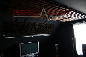akustikdesign i biograf med akustiska absorbatorer