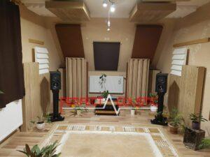 akustisk diffusor placerad i biografrummet (2)