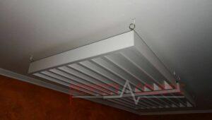 akustisk diffusor placerad i biografrummet (4)