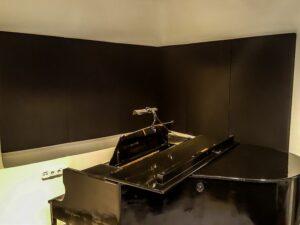 akustisk panel placerad i pianomrum (4)
