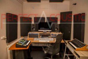 akustisk rymdesign med diffusor akustikpaneler på frontpanelen (2)