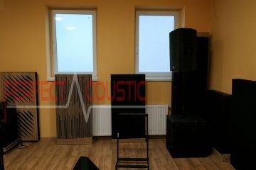 diffusor frontpanels akustiska paneler nära väggen