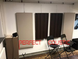 ljudabsorberande panel i en studio